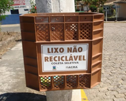 Foto da lixeira de material não reciclável